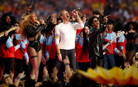 Super Bowl 50 hosts memorable halftime show